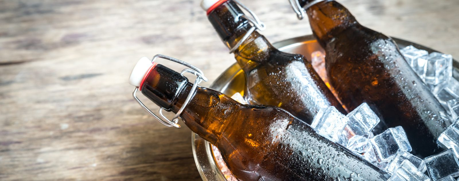 Alkohol ist prinzipiell ein Nervengift und stört die Regulierung des Wasserhaushalts