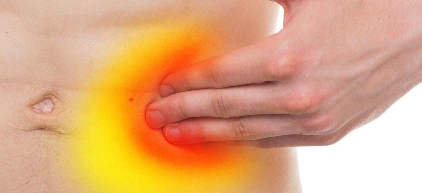 Oft weisen Schmerzen in der linken Seite des Bauchs  auf Divertikulitis hin