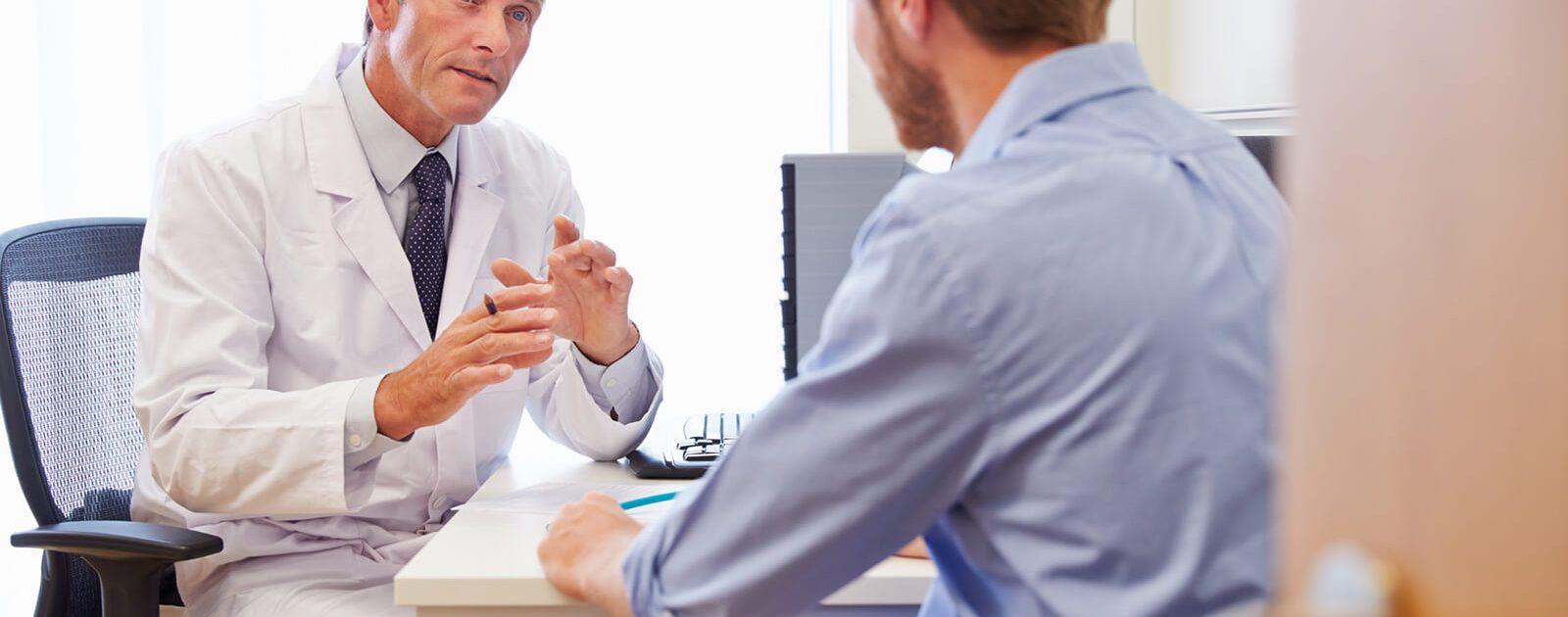 Eine OP ist eine mögliche Maßnahme gegen Hämorrhoiden.