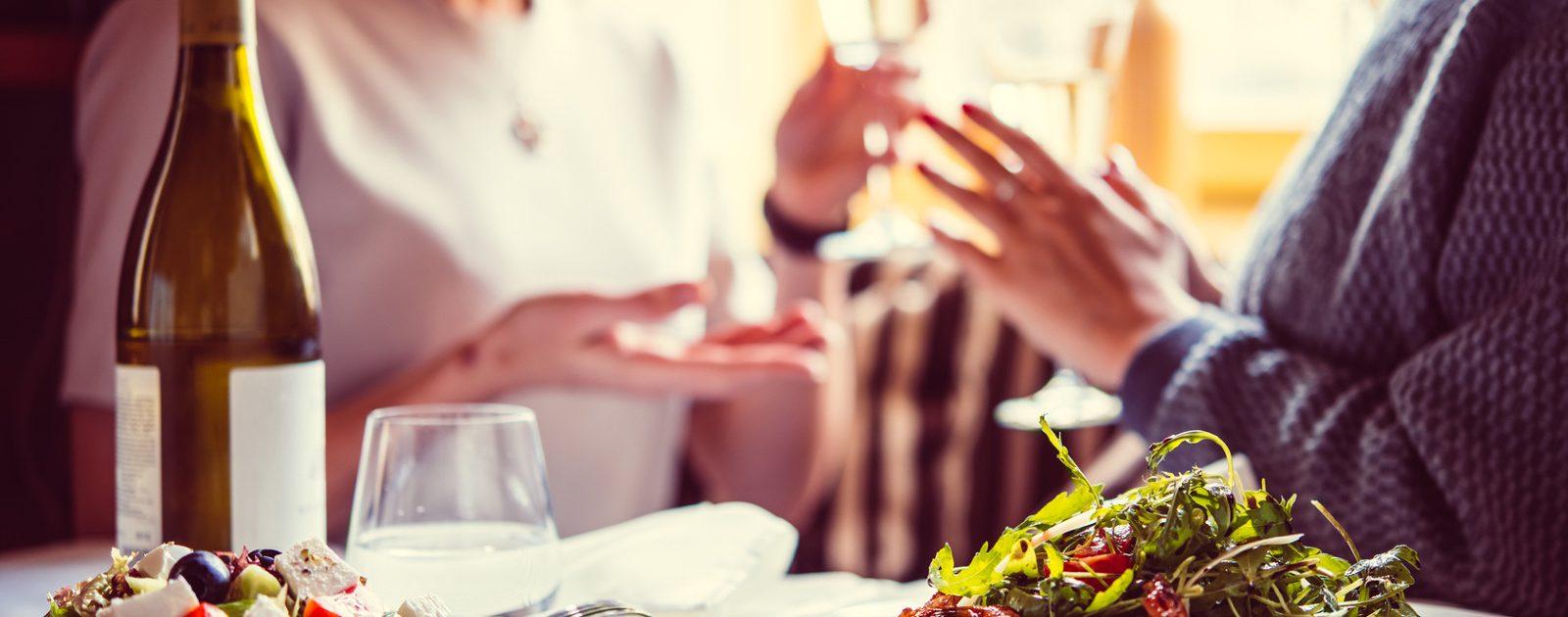 Völlegefühl oder Magendruck nach dem Essen können Sie mit Iberogast® lindern.