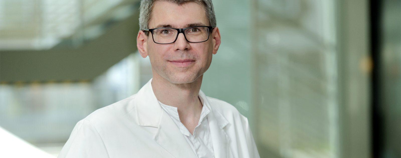 Prof. Dr. Dechêne spricht im Interview über die Leberzirrhose.