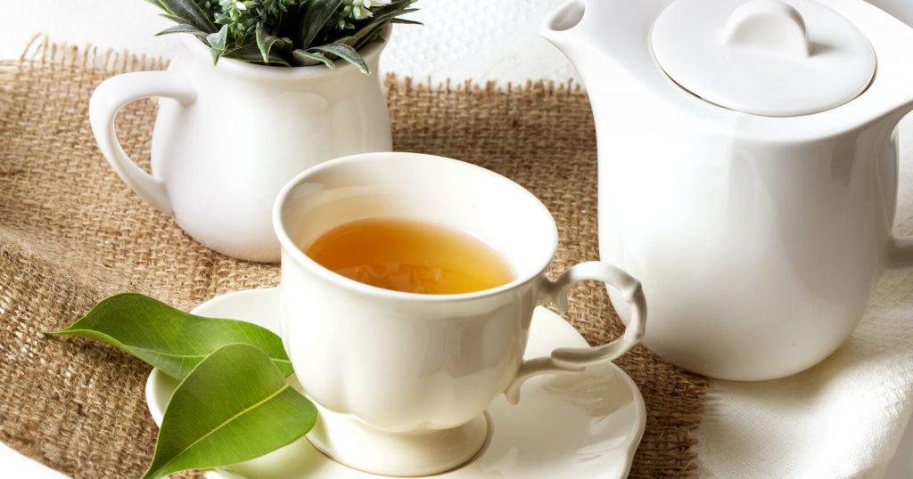 Verschiedene Teesorten helfen bei unterschiedlichen Ursachen von Magenschmerzen